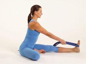 postura della testa verso il ginocchio scoliosi